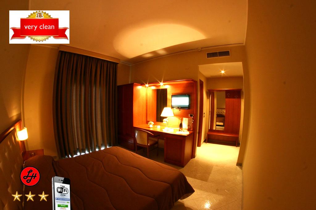 Luxor Hotel Double Single Room