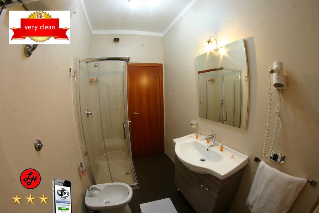 Luxor Hotel Room #4 - Luxor Hotel ***